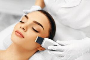 Домашняя и салонная ультразвуковая чистка лица